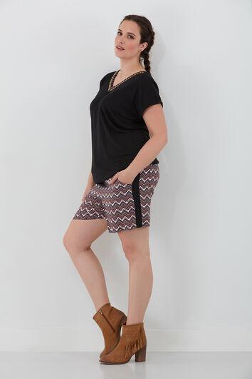 Pantalón corto con estampado étnico