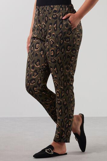 Pantalones con estampado de leopardo