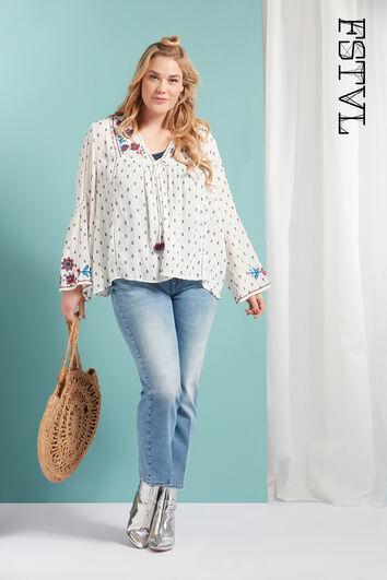 Chaqueta estilo blusa con bordado