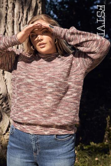 Suéter con un pequeño cuello alto