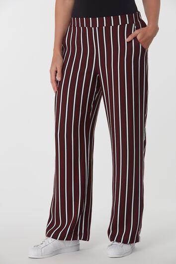 Pantalones anchos con raya