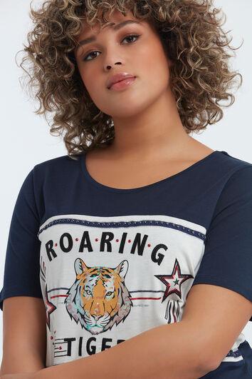 Camiseta estampada con tachuelas