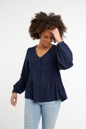 Blusa con detalle bordado