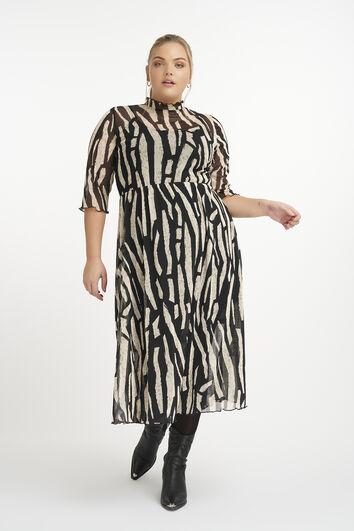 Vestido hecho de un tejido semitransparente.