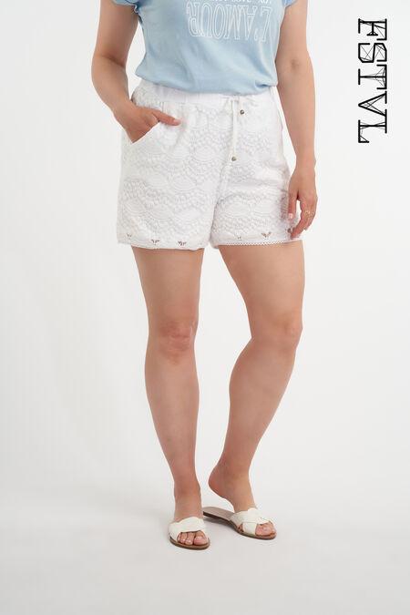 Shorts hechos de encaje.