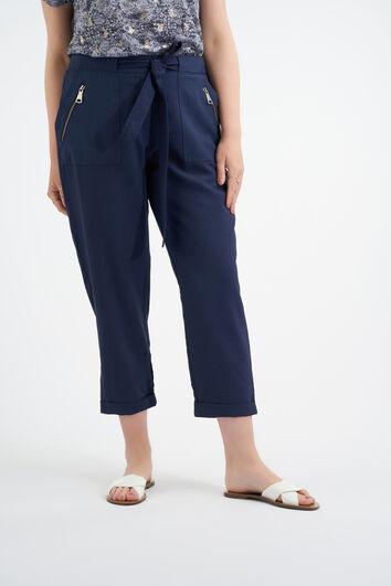 Pantalones con cinto