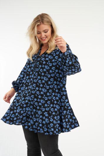 Blusa con botones y estampado floral