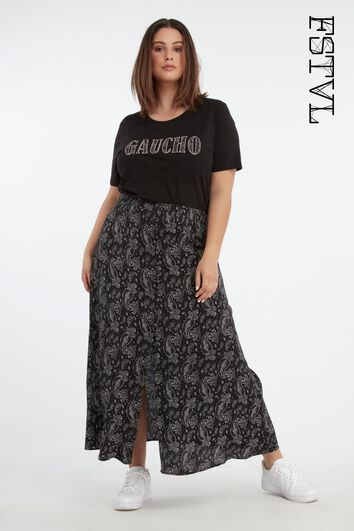 Falda abotonada con estampado paisley