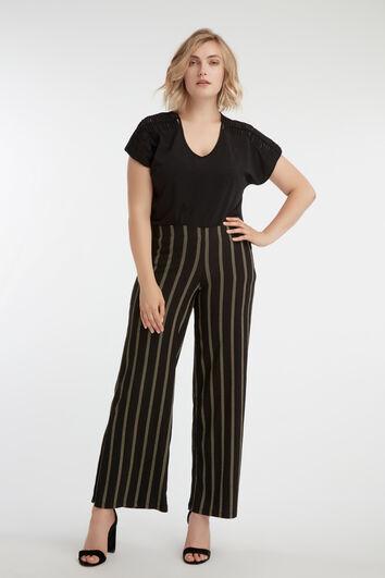 Pantalones de rayas anchos