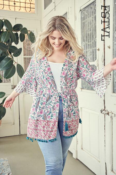 Kimono con estampado colorido