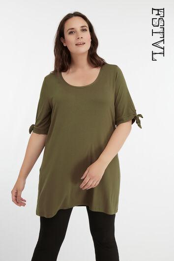 Camiseta larga con un lazo