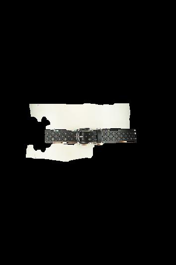 Cinturón con ojales y tachuelas
