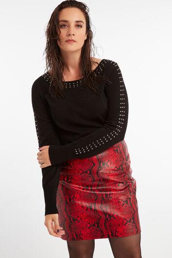 Suéter con tachuelas