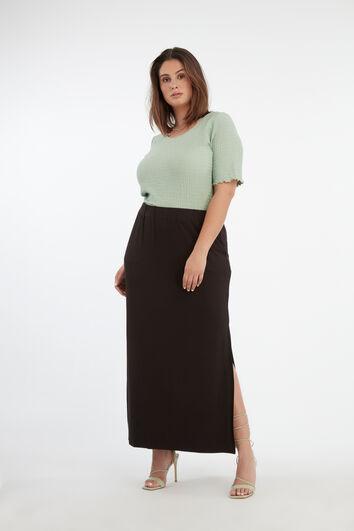 Falda larga lisa con abertura