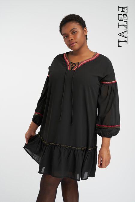 Vestido con detalle bordado