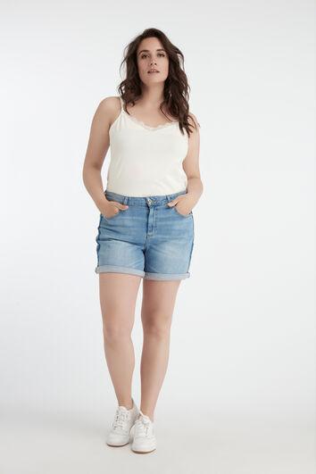 Shorts vaqueros con raya a contraste