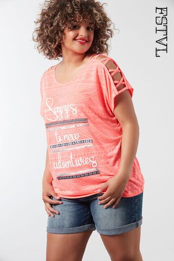 Camiseta con detalle en los hombros