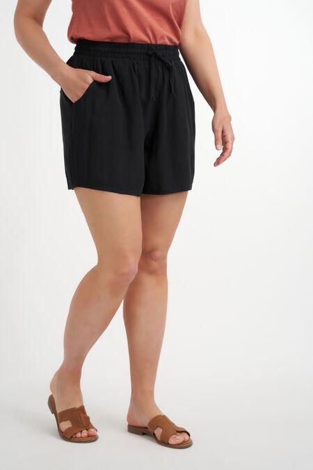 Shorts con cinturón de tela